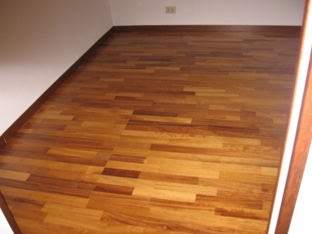 Rivestimenti parquet linoleum for Battiscopa ikea