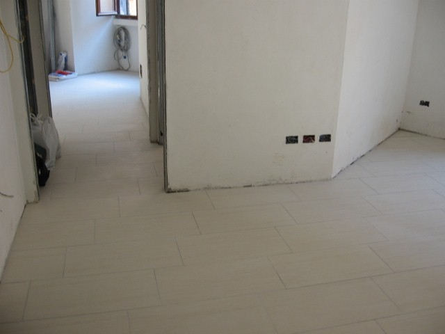 Rivestimenti ceramica - Posa piastrelle pavimento ...