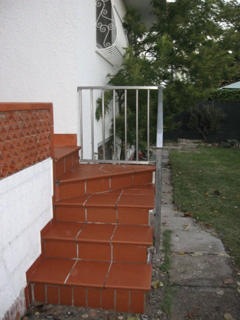 Rivestimento scalle e terrazzo in ceramica - Scale in ceramica ...